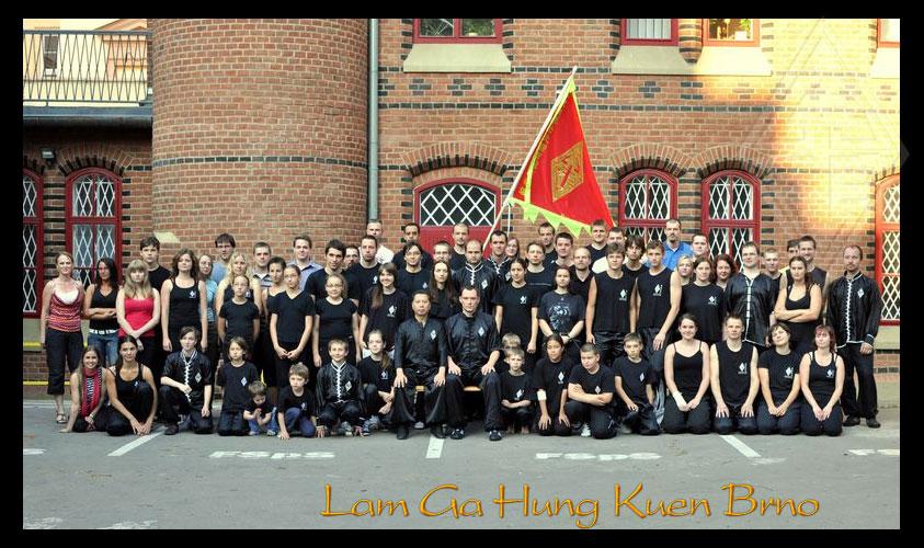 Velmistr Lam Chun Sing ve své škole Kung Fu v Brně